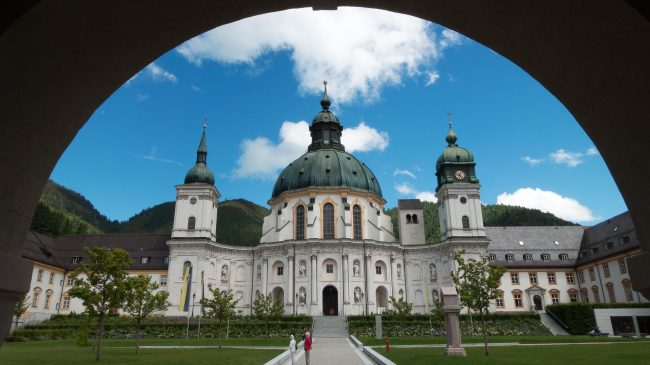 "<a href=""https://www.kloster-ettal.de/""> Kloster Ettal </a>"